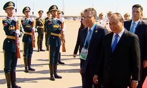 Thủ tướng Nguyễn Xuân Phúc đến Trung Quốc