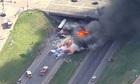 15 ôtô bốc cháy trên cao tốc Mỹ, nhiều người thiệt mạng