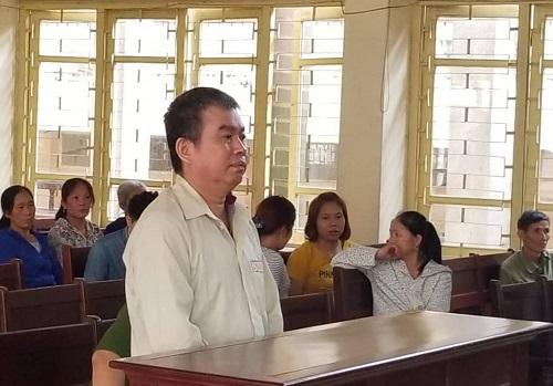 Bị cáo Vi Văn Phượng tại TAND tỉnh Bắc Giang sáng 26/4.