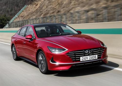 Hyundai Sonata thế hệ mới thay đổi thiết kế với cảm hứng từ mẫu concept Le Fils Rouge.