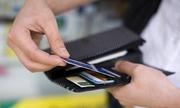 Bỗng nhiên tài khoản có 5 tỷ, nam thanh niên rút ATM 200 lần