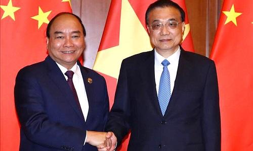 Thủ tướng Nguyễn Xuân Phúc hội đàm với Thủ tướng Quốc vụ viện Trung Quốc Lý Khắc Cường. Ảnh: TTXVN.