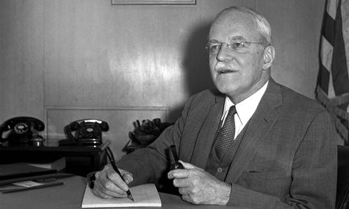Cựu giám đốc CIAAllen Dulles. Ảnh: AP.