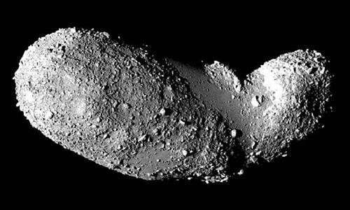 Tiểu hành tinh 25143 Itokawa. Ảnh: Space.