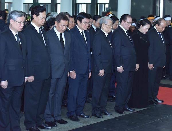 Lãnh đạo Đảng, Nhà nước tại lễ truy điệu. Ảnh: Giang Huy