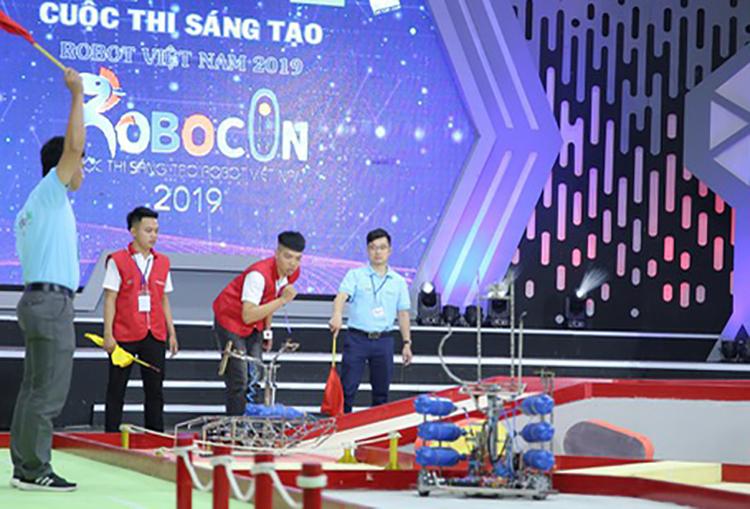 Một đội thi tham gia tại vòng loại 2019.