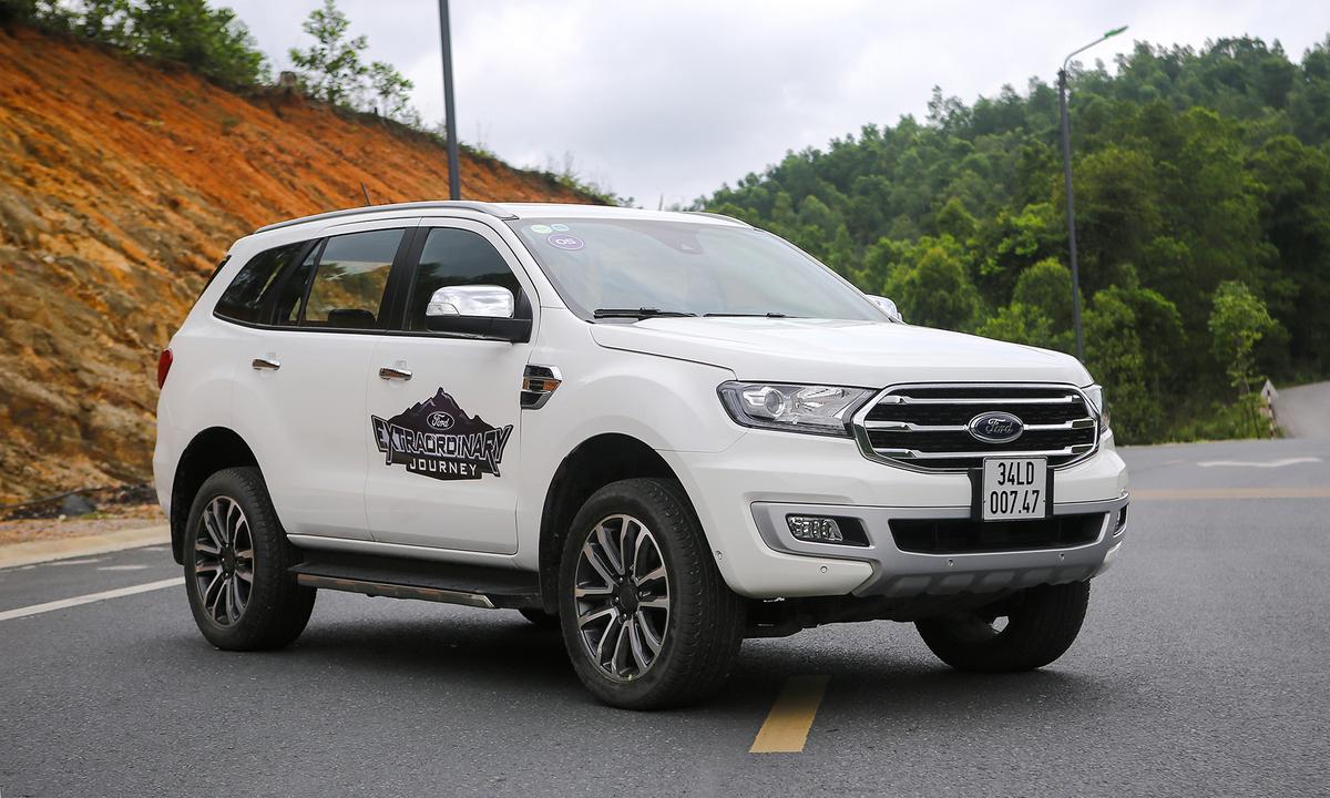 Ford Everest Bi-Turbo - SUV gia đình nhiều công nghệ tại Việt Nam