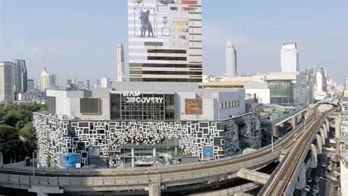 Khu mua sắm Siam Discovery ở Bankok, được xây dựng trên khu đất thuê của CPB. Ảnh: Dezeen.