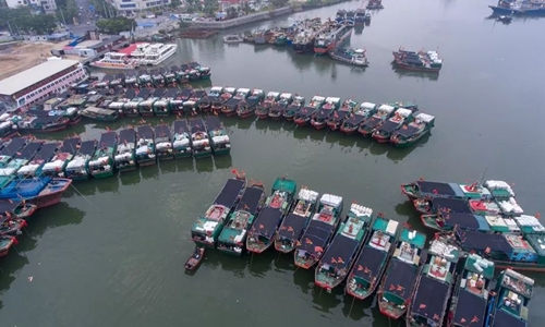 Tàu cá Trung Quốc ở bến Hải Khẩu. Ảnh: Sohu.
