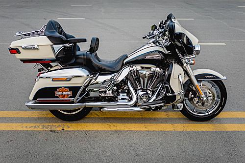 Harley-Davidson Ultra Classic 2015 được nâng cấp với nhiều đồ chơi chính hãng.