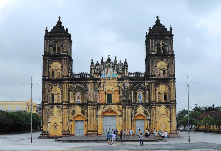 Nhà thờ Bùi Chu. Ảnh: Nguyễn Văn Học.