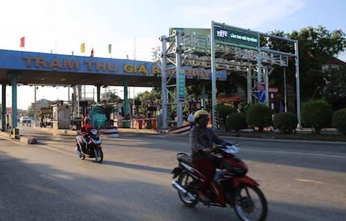 Trạm thu giá Bến Thủy gây nhiều tranh cãi. Ảnh:Nguyễn Hải.