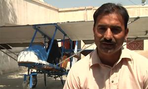 Người đàn ông Pakistan bay thử máy bay tự chế