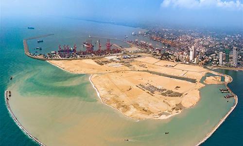 Thành phố cảng Colombo đang được xây dựng ở Sri Lanka, ảnh chụp ngày 22/4. Ảnh: Xinhua