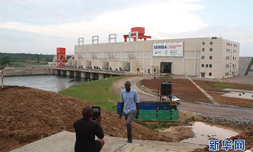 Dự án nhà máy thủy điện Isimba ở Uganda. Ảnh: Xinhua