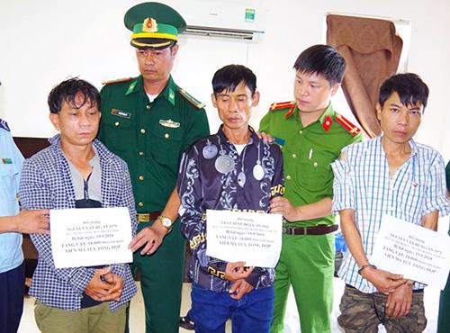Ba bị cáo thời điểm bị cảnh sát bắt. Ảnh: Thanh Giang