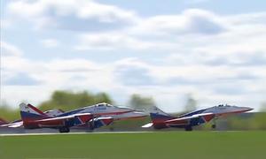 Hành trình huấn luyện cho vài phút duyệt binh của chiến đấu cơ Nga