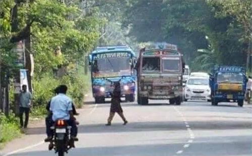 Một con đường đông đúc ở Ấn Độ.