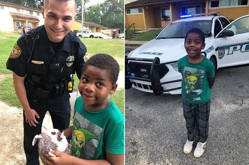 Sĩ quan Joe White và cậu bé 6 tuổi đã gọi 911. Ảnh: Sở cảnh sát thành phốTallahassee