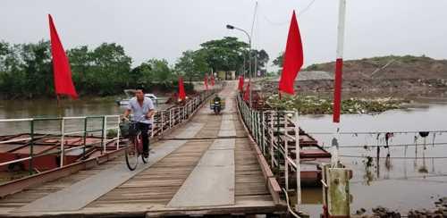 Cầu phao sông Hóa kết nối 2 huyện Vĩnh Bảo (Hải Phòng) với Thái Thụy (Thái Bình). Ảnh: Giang Chinh