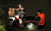 Hai nam sinh lớp 10 bị nước mưa cuốn mất tích ở Đồng Nai