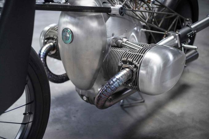 BMW 'Lồng chim' - môtô khủng với bộ khung titan