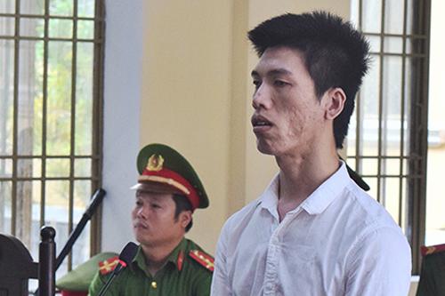 Bị cáo Trần Huỳnh Linh. Ảnh: Đắc Thành.