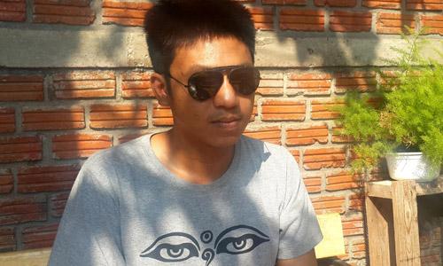 Nhà hoạt động người Thái Lan JatupatBoonpatararaksa. Ảnh: Reuters.