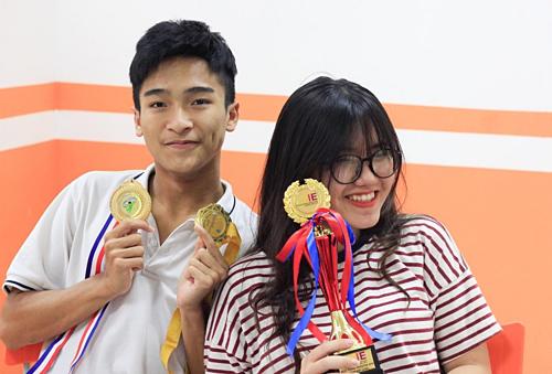 Sáng chế robot phát thuốc, học sinh Việt giành huy chương vàng quốc tế. Ảnh 1