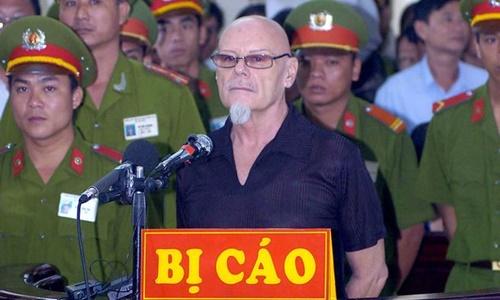 Gary Glitter trong phiên tòa xét xử tại Việt Nam. Ảnh: Daily Mirror.