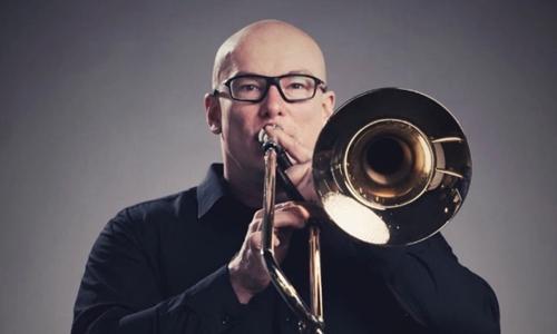 Christopher Trinnaman là nhạc côngkèn trombone. Ảnh: Mirror.