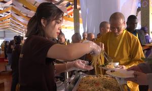 1.300 người phục vụ 150 món chay trong Đại lễ Phật đản