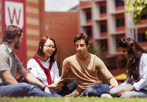 Đại học Western Sydney, Australia thuộc top 2% các trường đại học toàn cầu. Trường cũng nằm trong top 100 trường đại học dưới 50 năm thành lập hàng đầu thế giới (Xếp hạng Đại học thế giới THE).