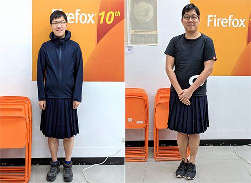 Hai nam nhân viên tập đoàn Mozilla tạiĐài Loan mặc váy ủng hộ bình đẳng giới và bình đẳng hôn nhân. Ảnh: Mozilla Taiwan Community