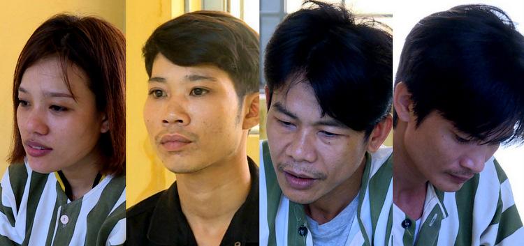 Lan cùng 3 đàn em tại cơ quan công an. Ảnh: Quang Bình.