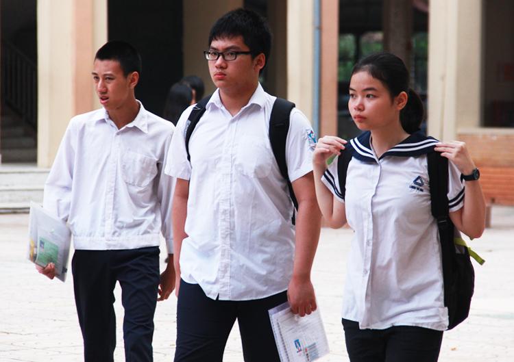 Học sinh thi vào lớp 10 công lập ở Hà Nội năm 2017. Ảnh: Dương Tâm