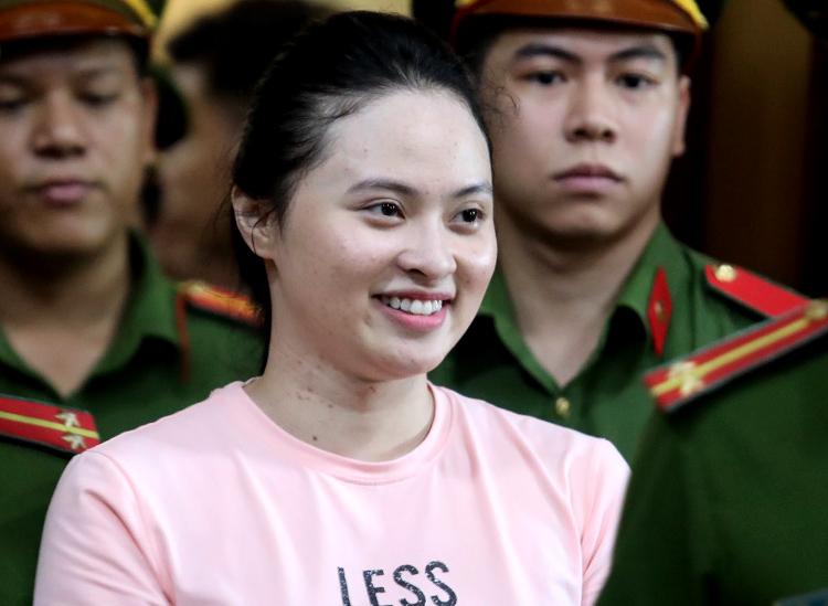 Ngọc Miu sau phiên tòa hôm nay. Ảnh: Thành Nguyễn.