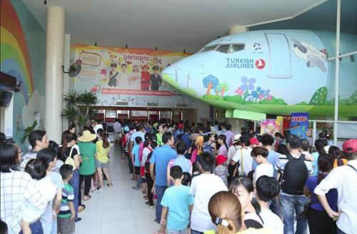 Sân chơi hè cho trẻ tại Tuần lễ Giáo dục Quốc tế Vietopia - 2