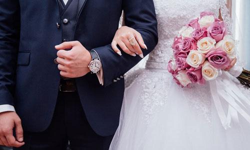 Chú rể và cô dâu trong một đám cưới. Ảnh: HSToday.