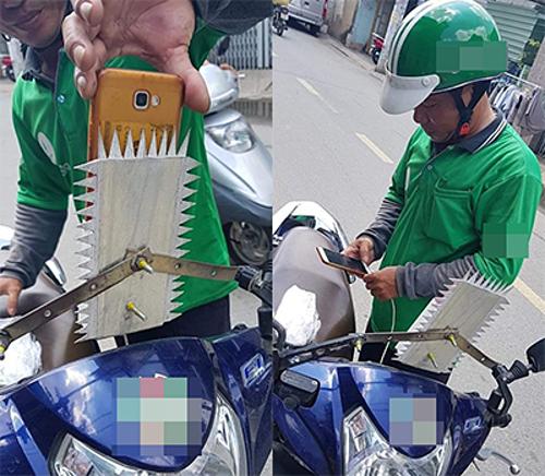 Người đàn ông lấy bìa cát tông cắt thành những gai nhọn rồi gắn vào khung sắt để các tên cướp bỏ ý định giật điện thoại.