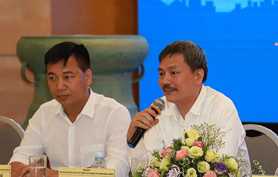Ông Lại Xuân Thanh (phải). Ảnh: Nguyễn Long.