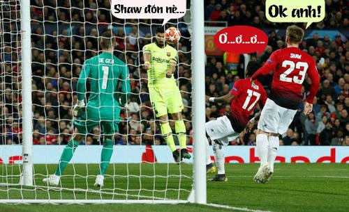 Suarez đã có pha kiến tạo đẹp mắt cho Shaw ghi bàn.
