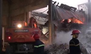 Nhà kho 300 m2 chứa giấy tại Bắc Ninh cháy rụi