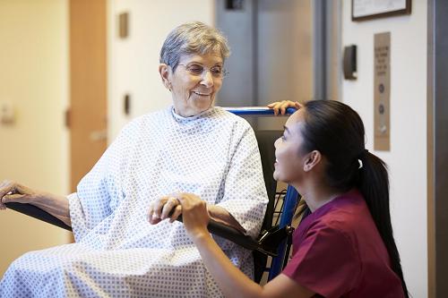 Nghề điều dưỡng tại Đức nhận được nhiều hỗ trợ từ công nghệ và nền y tế hiện đại.