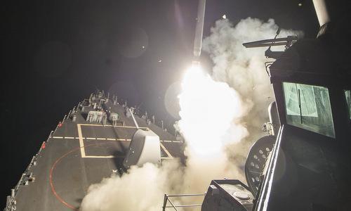 Tàu khu trục Mỹ phóng tên lửa tấn công Syria năm 2017. Ảnh: US Navy.