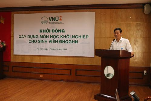 Phó giáo sư, Tiến sĩ Nguyễn Hoàng Hải - Phó Bí thư Đảng ủy, Phó Giám đốc Đại học Quốc gia Hà Nộiphát biểu tại chương trình.