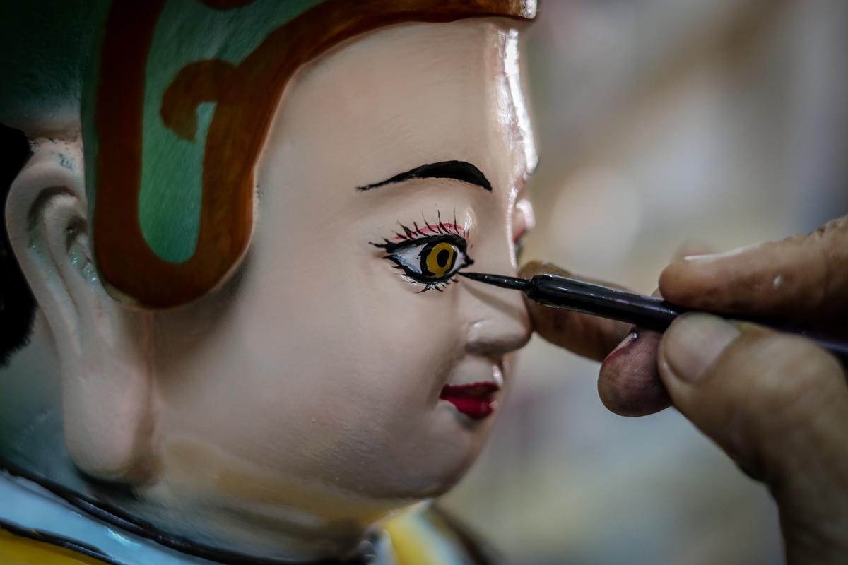 Xóm làm tượng Phật gần trăm tuổi ở Sài Gòn