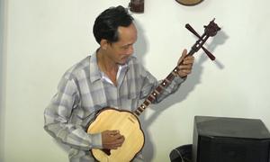 Người đàn ông 50 năm theo nghề nhạc lễ cổ truyền ở An Giang