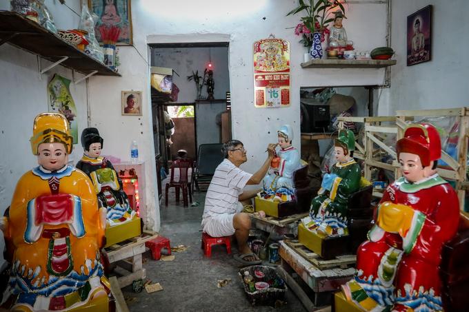 Xóm gần 100 năm làm tượng Phật ở Sài Gòn