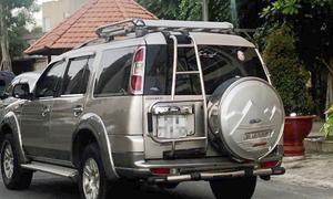 Bốn người liên quan đến thi thể trong bêtông nhiều lần định rời khách sạn